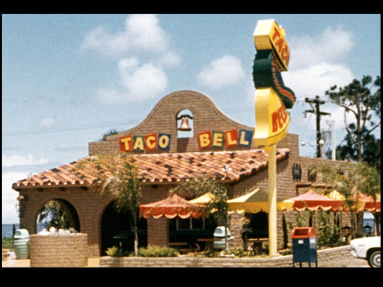One of the oldest Taco Bell locations in California is closing