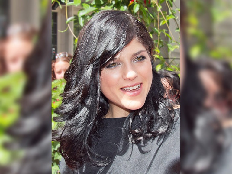 Selma Blair says she's in remission from multiple sclerosis