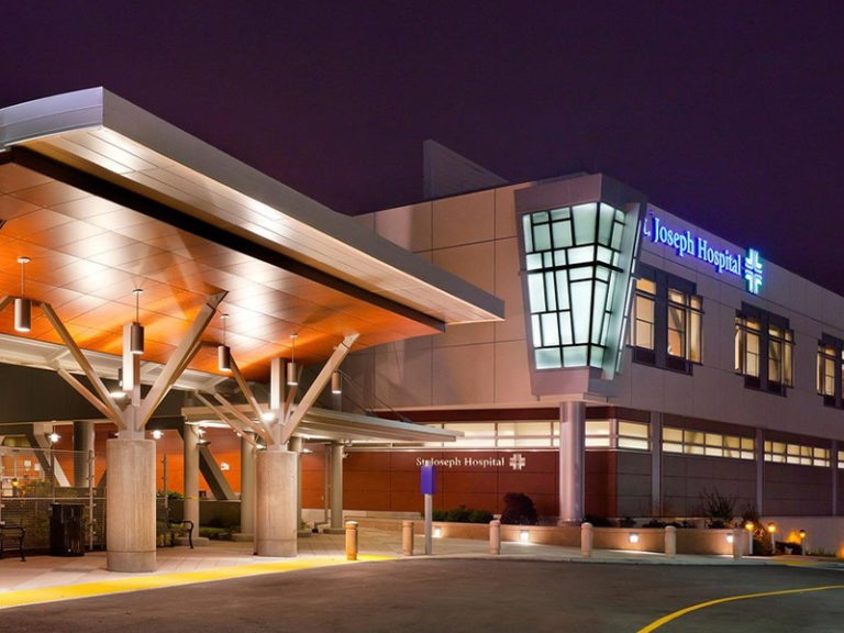 Travel nurses quit California hospital after 1 day over EHR